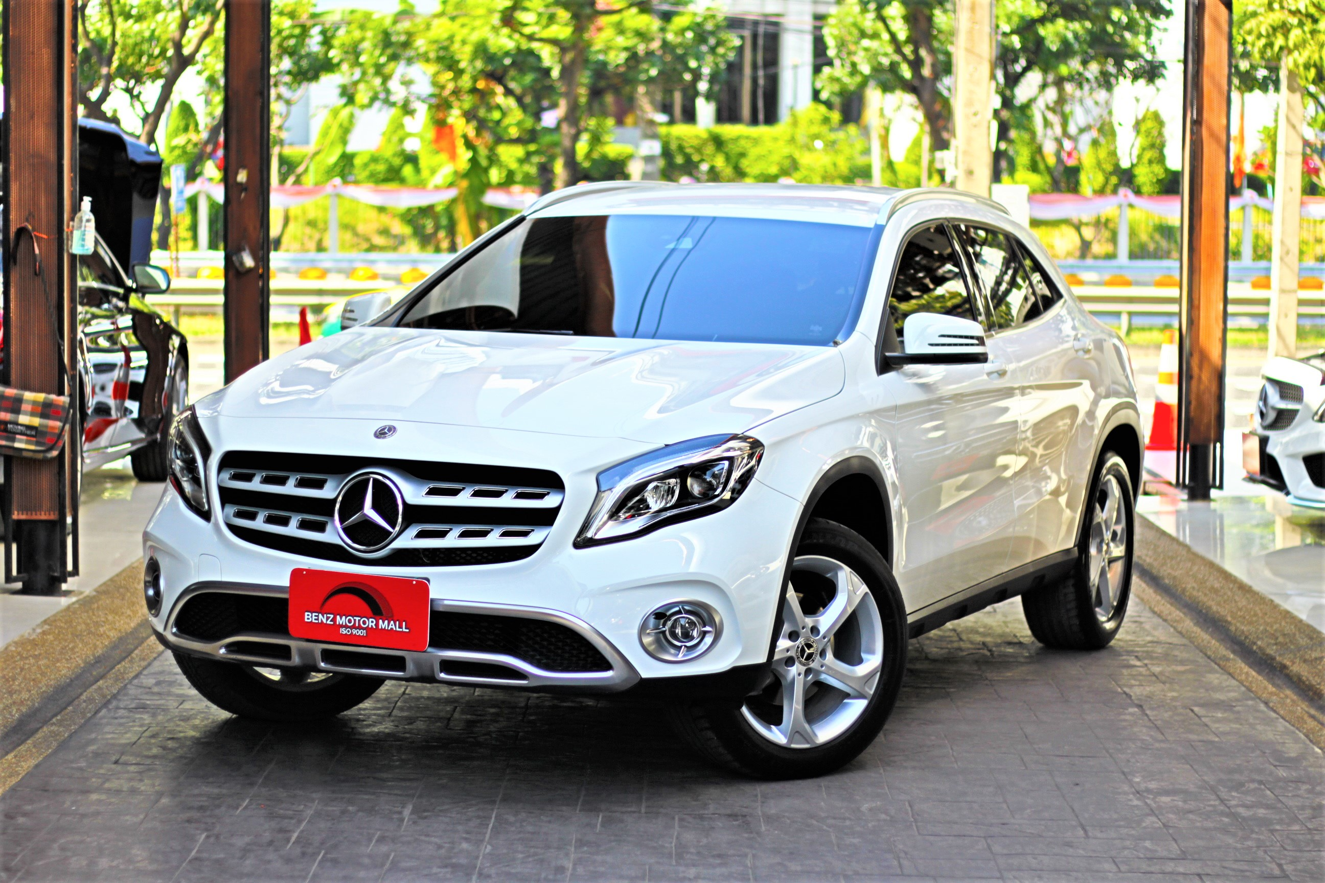 Read more about the article BENZ GLA200Urban ปี 19 รหัส #4009