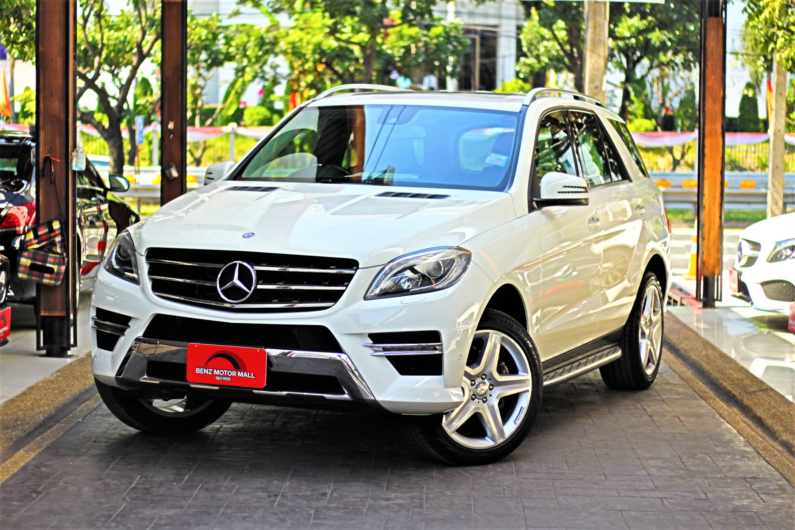 Read more about the article BENZ ML250AMG ปี 13 รหัส #160